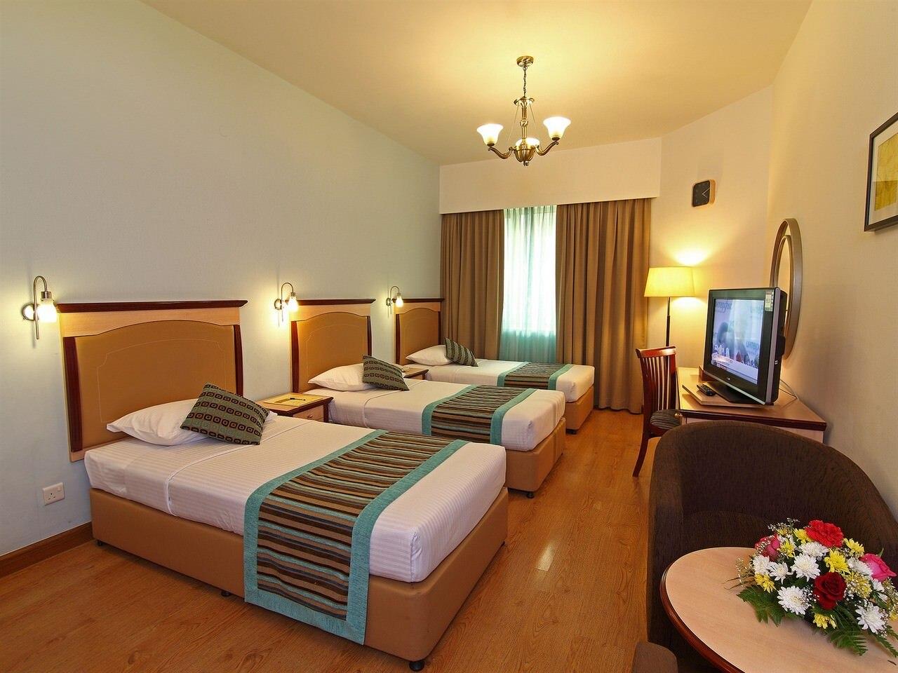 Flora-Hotel-Studio-Triple-1