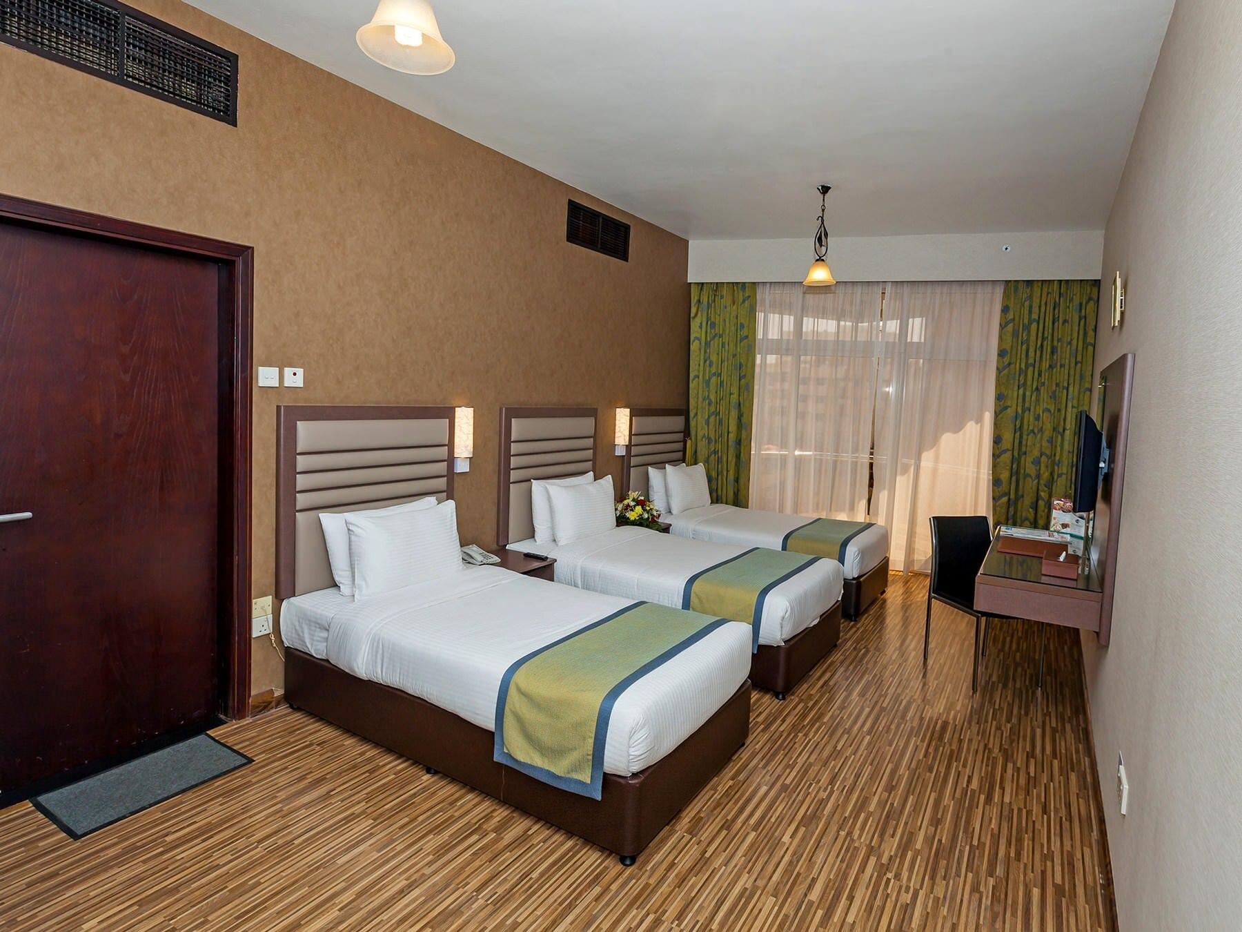 Florida International Hotel Standard Triple Room